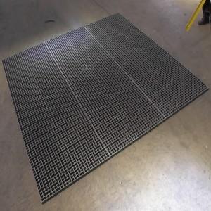 grp grating cut tocircle1 300x300 Cutting & Fabrication